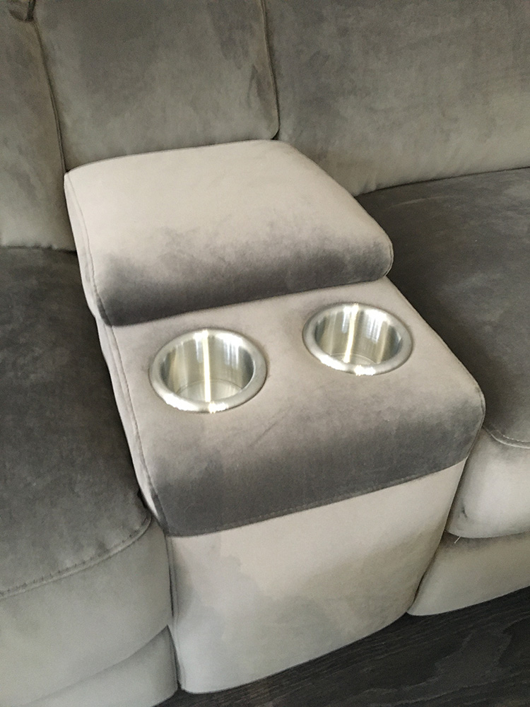 Frontrow™ Classic arms with cupholders