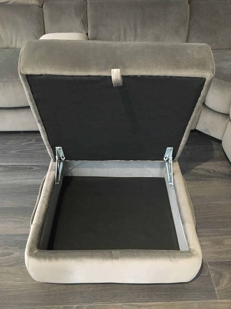 Frontrow™ Classic Footstool