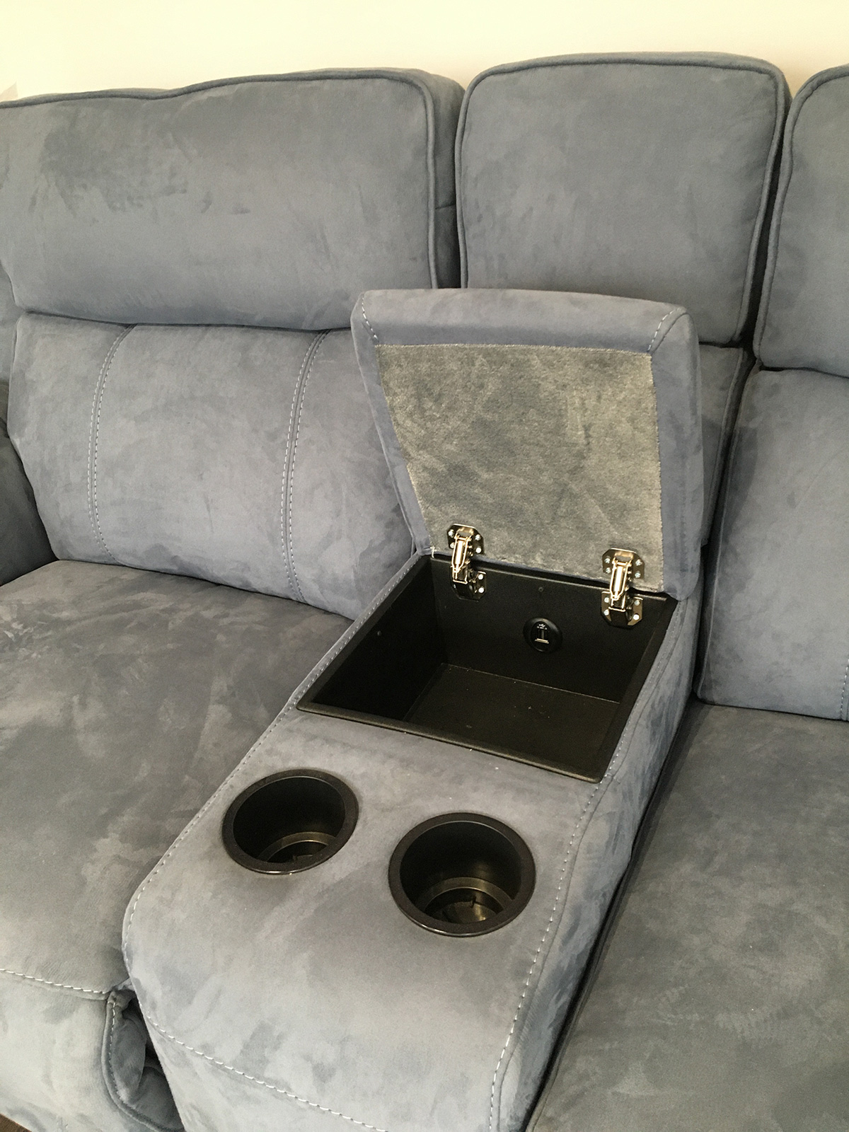 FrontRow™ Serenity Home Cinema Seating - Luno cupholder